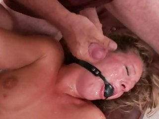 Delicious Lizzy London gets showered in hawt spunk