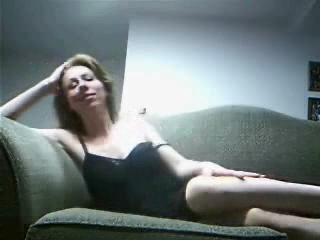 Home Made - Couple Fucking On Couch