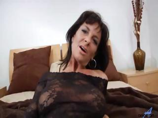 Hardcore milf acquires mouthful of jizz