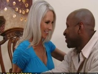 Hawt milf Emma Starr fucks her neighbor