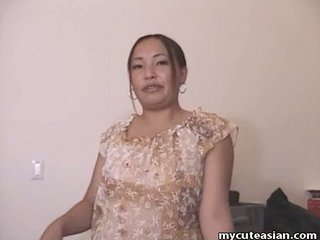 Chunky Asian amateur housewife gives a hot oral job