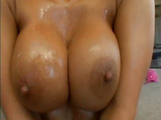 Lovely Lichelle Marie fucks cock with her perfect pussy