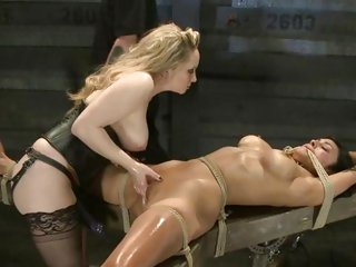 Aiden Starr rams her fingers in her partner's wet slot