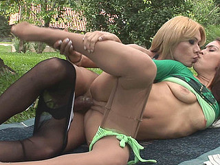 Agatha&Fernanda transsexual fucking beauty on movie