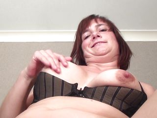 mature mom caro is sucking a young cock