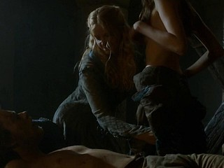 Charlotte Hope Stephanie Blacker Game Of Thrones s3e7