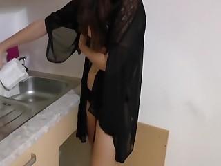 Young-Devotion Blowjob fur dreisten Hausmeiser!