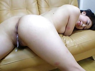 Yuka Tsubasa in Yuka Tsubasa is having steamy sex with two men - AviDolz