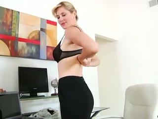 Hot mommy takes dual toy action masturbation to new heights