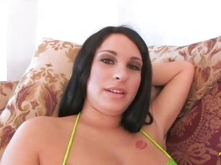 Half Russian Half Italian kitty bella blows cock