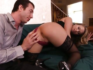 Lascivious Heather Starlet doesn't hang around